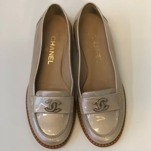 CHANEL Shoes - CHANEL - Beige Loafers